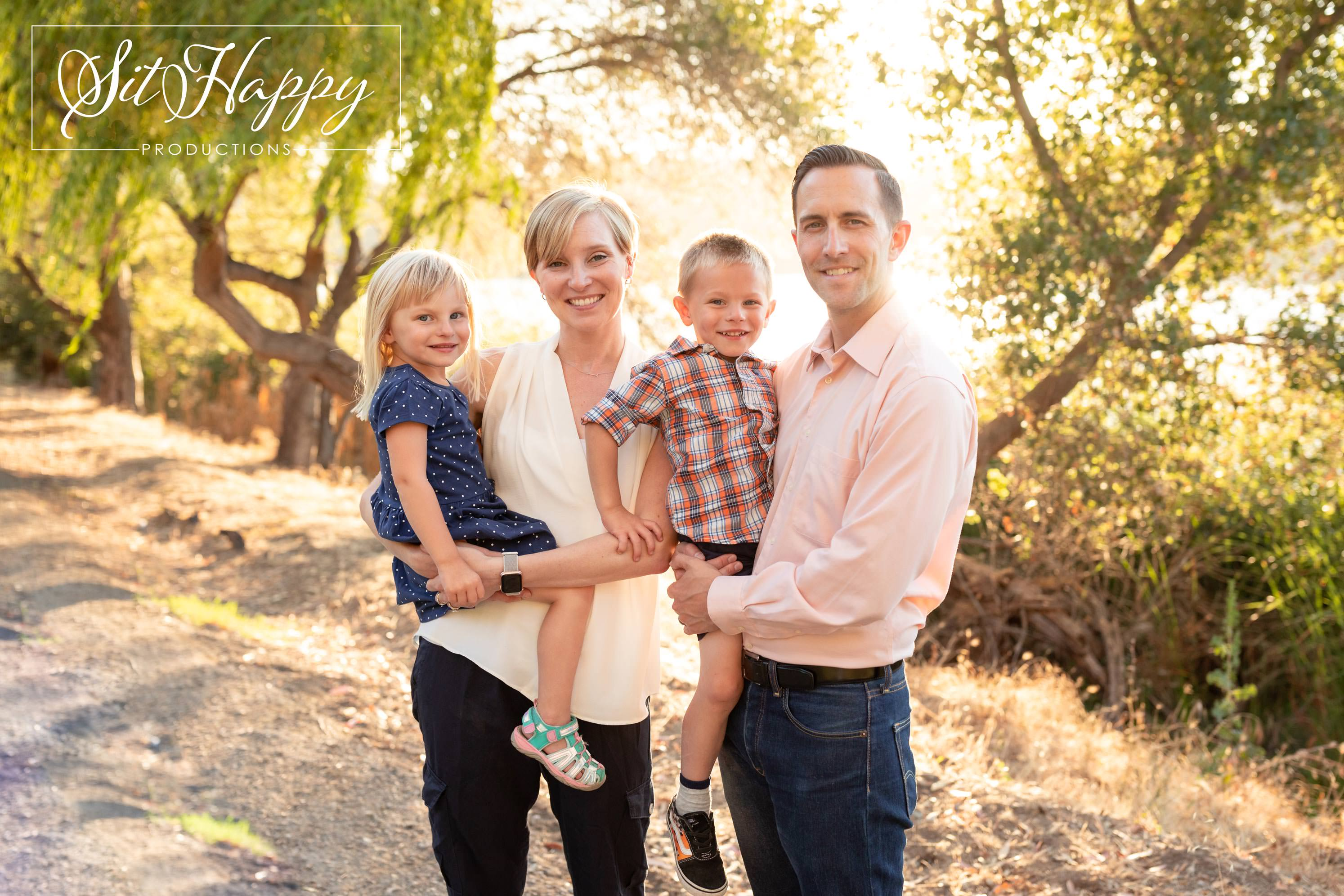 Best-Outdoor-Family-Photo-Session-Locations-in-San-Jose-CA-Vasona-Dam-Gardens-Family-Photography-SitHappyProductions