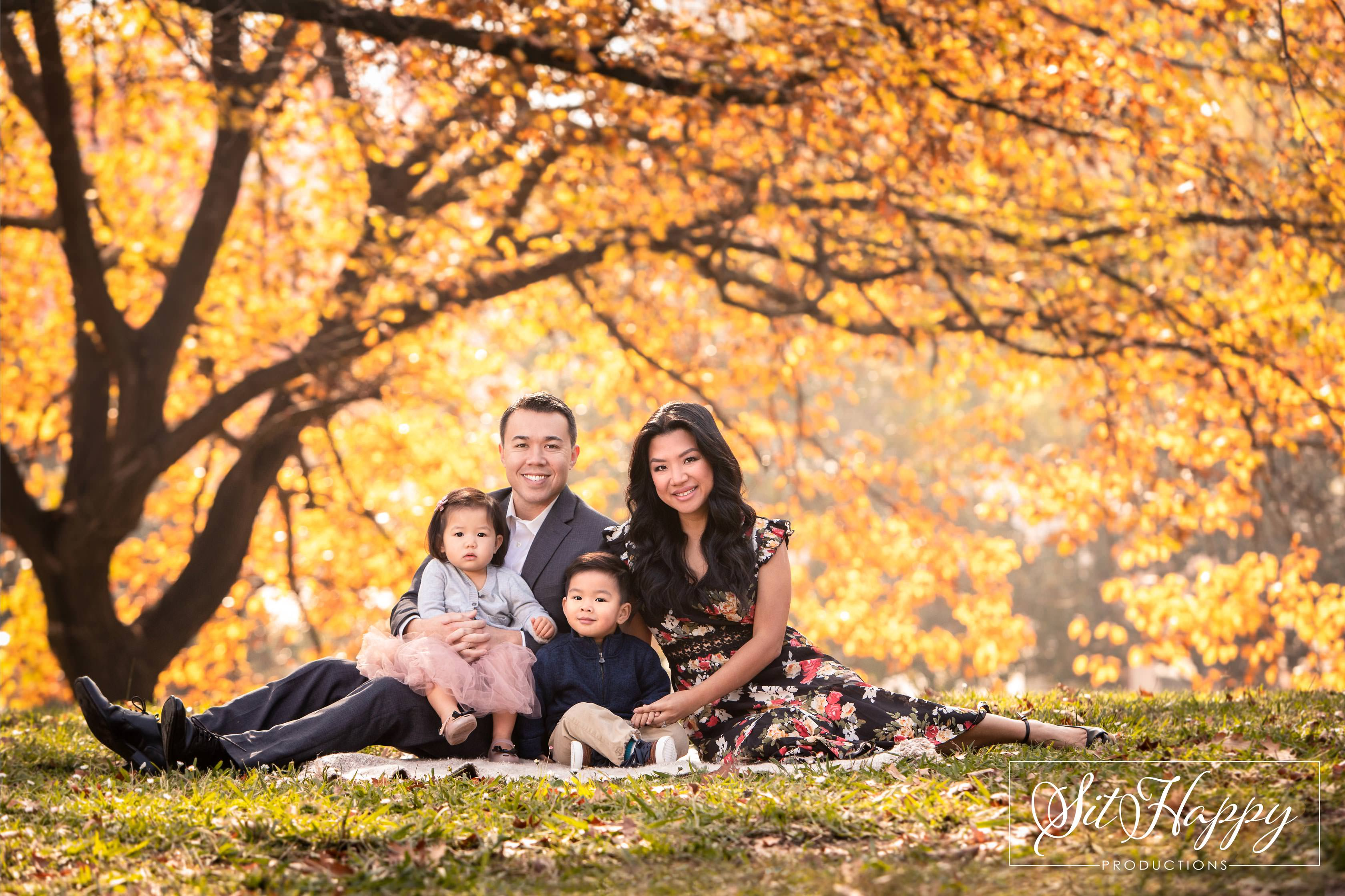 Best-Outdoor-Family-Photo-Session-Locations-in-San-Jose-CA-Vasona-Pepper-Tree-Family-Photography-SitHappyProductions